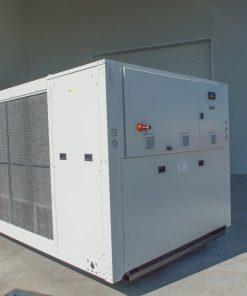 CWB - refrigeratori condensati ad aria 140 kW A 570 kW 11